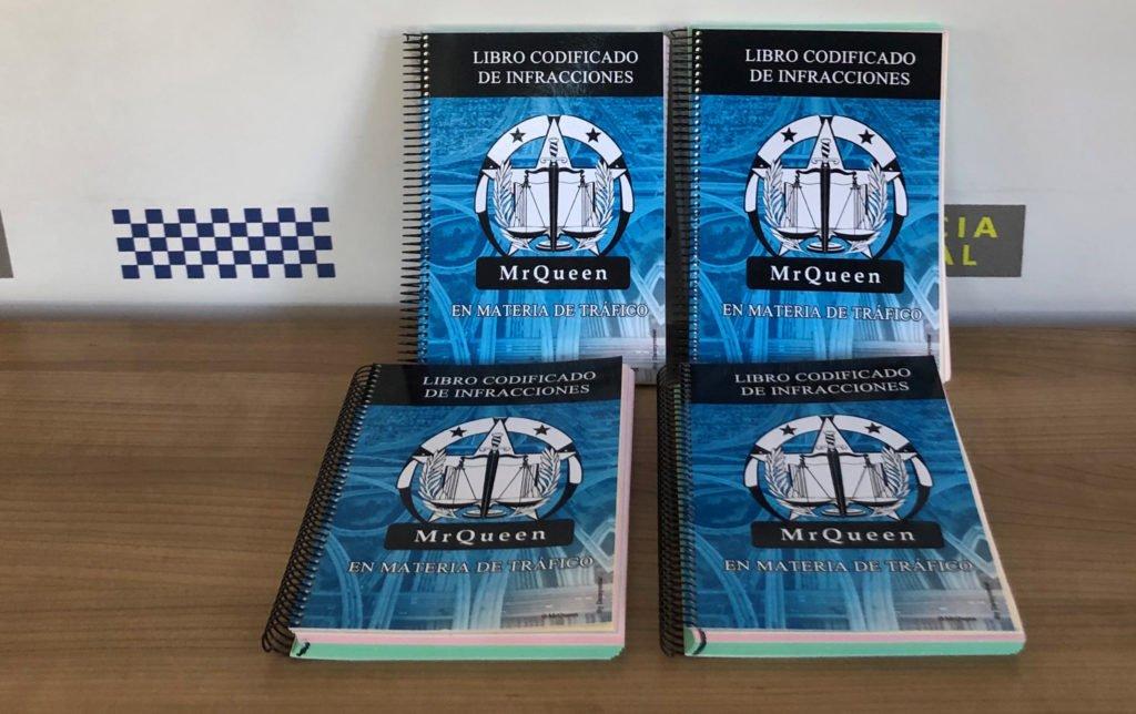 LA POLICÍA LOCAL DE GALAPAGAR ESTRENA LIBROS DE CODIFICACIONES DE INFRACCIONES DE TRÁFICO