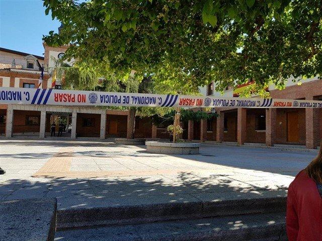 EL ALCALDE DE LAS ROZAS LANZA UN MENSAJE DE TRANQUILIDAD POR LA OPERACIÓN POLICIAL EN EL AYUNTAMIENTO
