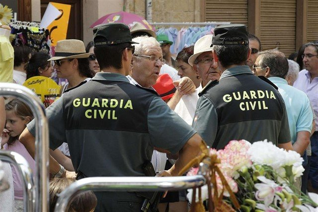 LA GUARDIA CIVIL DETIENE A 10 PERSONAS POR DELITO DE ESTAFA A ANCIANOS