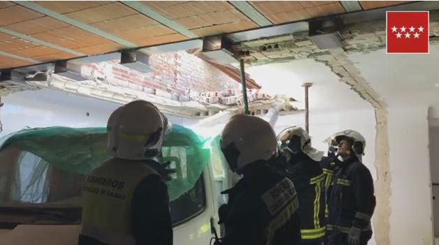 Muere un policía local de Collado Villaba tras el derrumbe de un muro en su vivienda