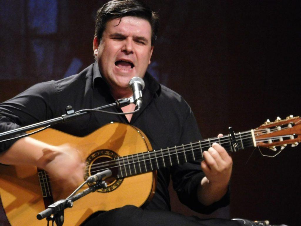 EL GUITARRISTA Y CANTAOR RICARDO FERNÁNDEZ DEL MORAL OFRECERÁ EN GUADARRAMA SU CONCIERTO + QUE FLAMENCO