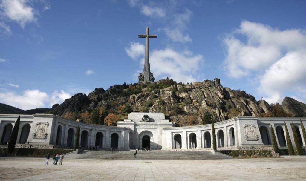 El Supremo avala exhumar a Franco y enterrar su cadáver en Mingorrubio