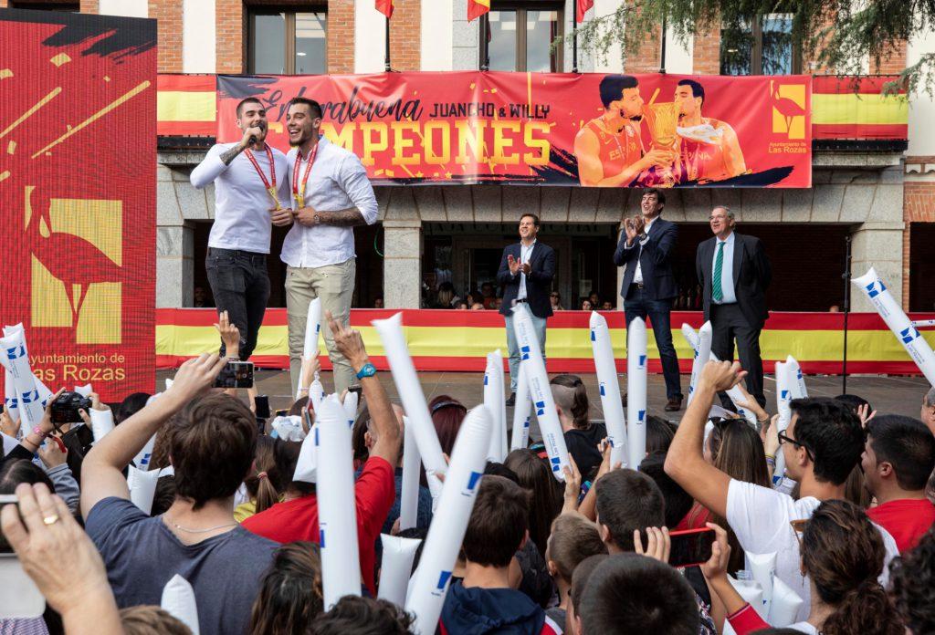 Las Rozas homenajean a los hermanos Hernangómez y le ponen el nombre a un pabellón de baloncesto