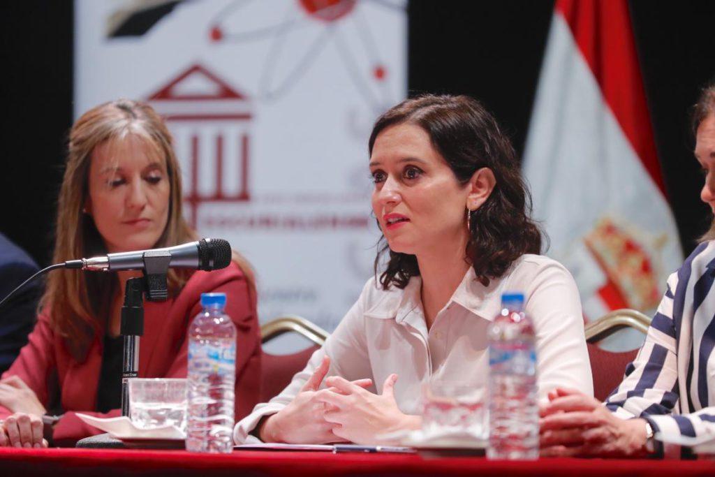 """Díaz Ayuso: """"No hay que reescribir el pasado ni permitir imposiciones sectarias"""""""