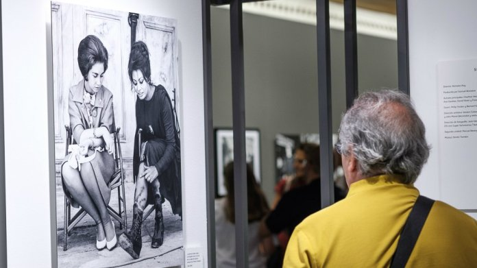 La muestra 'MAD about Hollywood' visita la Biblioteca «Miguel Hernández» de Collado Villalba