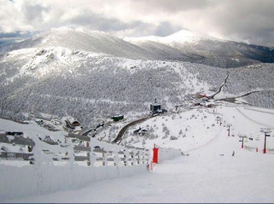 MÁS DE UNO SIERRA – La estación de Esquí de Navacerrada inaugura hoy su temporada
