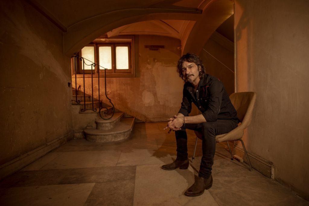 El cantautor Quique González ofrece un concierto este fin de semana en el Auditorio Joaquín Rodrigo de Las Rozas