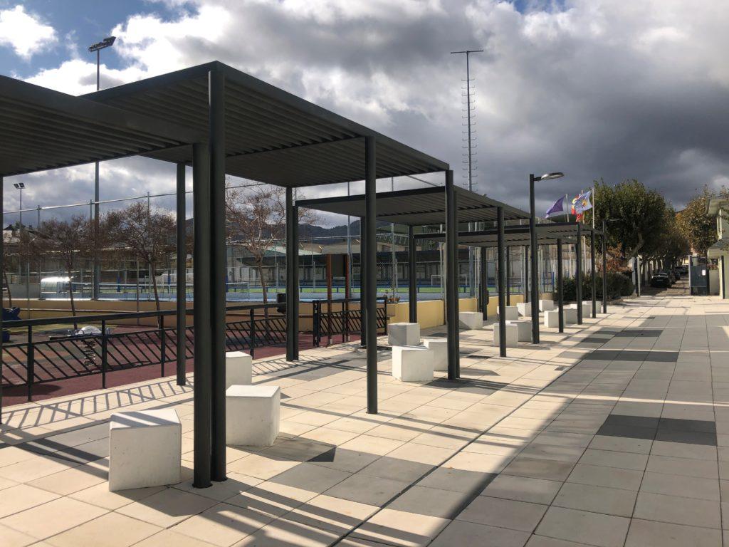 El Polideportivo Municipal de Navaarmado de El Escorial luce nueva imagen exterior
