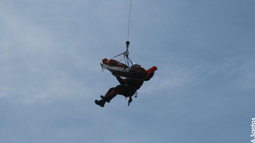 El GERA rescata este fin de semana a varios excursionistas heridos leves en la Sierra