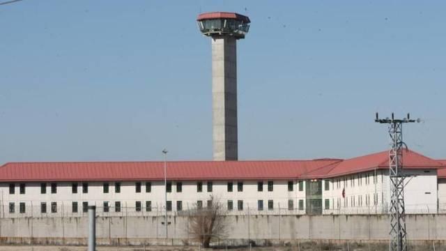 El fiscal pide prisión permanente revisable para un acusado de violar y asfixiar a su mujer en Collado Villalba