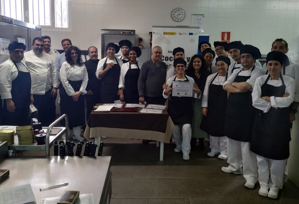 El concurso de pinchos pone el broche final al Curso de Cocina de Guadarrama