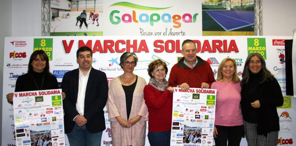 Marcha solidaria, en Galapagar, para apoyar la labor de la Asociación Cultural de Teatro Unificado de Las Rozas (ACTU)