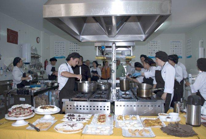El Ayuntamiento de Guadarrama seleccionará a los nuevos participantes de los Cursos de Electricidad y Cocina