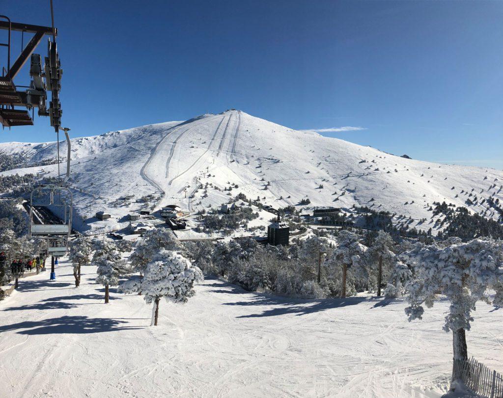La estación de esquí del Puerto de Navacerrada reabre este jueves las pistas de la parte baja